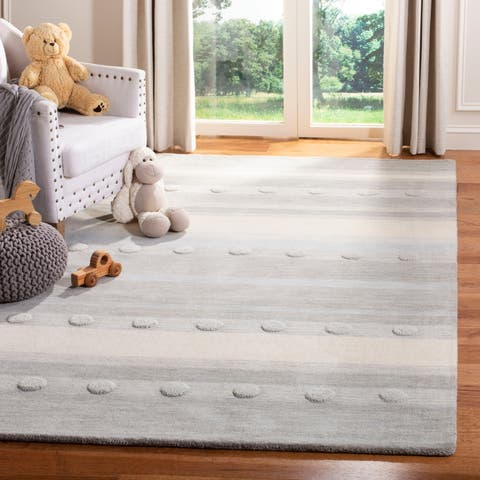 Safavieh Kids Hand-Woven Modern & Contemporary Grey / Ivory Wool Rug - 5' x 8'
