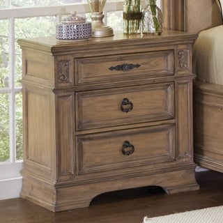 Ilana Traditional 3-drawer Nightstand