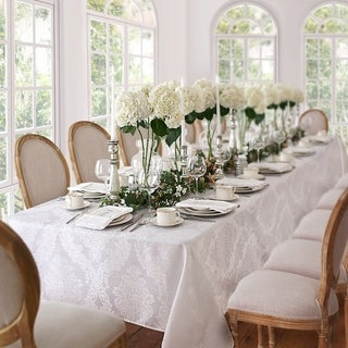 27722f1f082 Table Linens   Decor