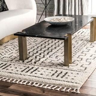 "nuLOOM Off White Contemporary Soft Moroccan Boho Chic Aztec Tassel Pom Pom Shag Area Rug - 7'1""0"" x 10'"