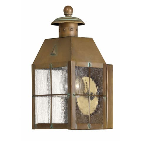 Hinkley Nantucket 1-Light Outdoor Wall Mount in Aged Brass