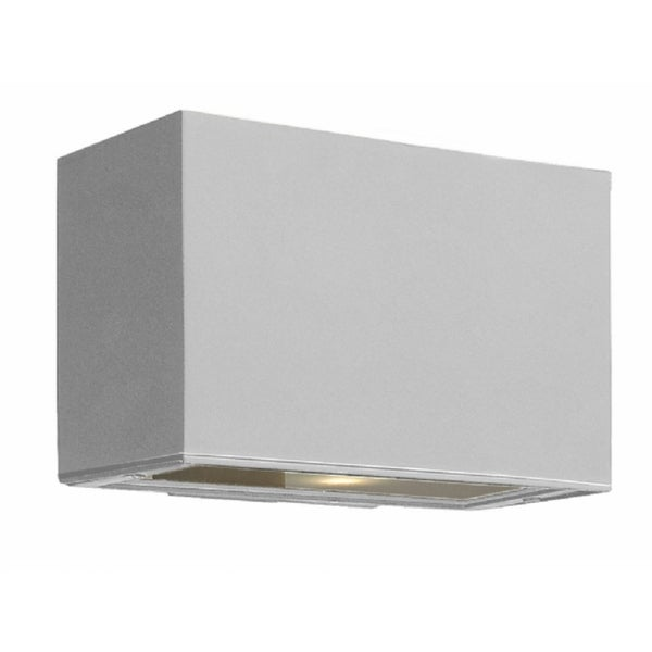 Hinkley Atlantis LED Outdoor Wall Mount in Titanium. Opens flyout.