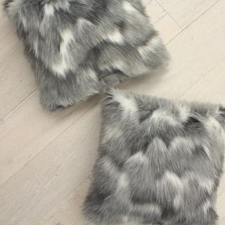 Oliver Brown Vera Faux Fur 2-Pack Decorative Pillow Set