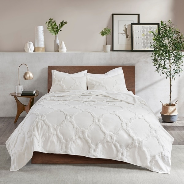 Madison Park Nollie White 3 Piece Tufted Cotton Chenille Geometric Coverlet Set