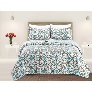 Giselle Collection 3-Piece Reversible Quilt Set with Shams