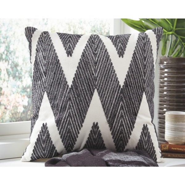 Shop Signature Design By Ashley Carlina Accent Throw