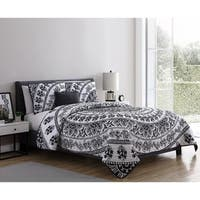 VCNY Home Kaci Black & White Medallion Quilt Set