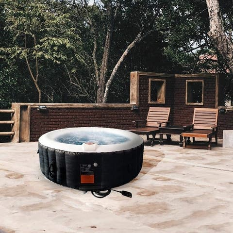 ALEKO Round 265-gallon Inflatable 6-person Hot Tub with Cover
