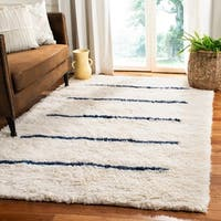 Safavieh Hand-Knotted Kenya Transitional Oriental Ivory / Navy Wool Rug - 9' x 12'