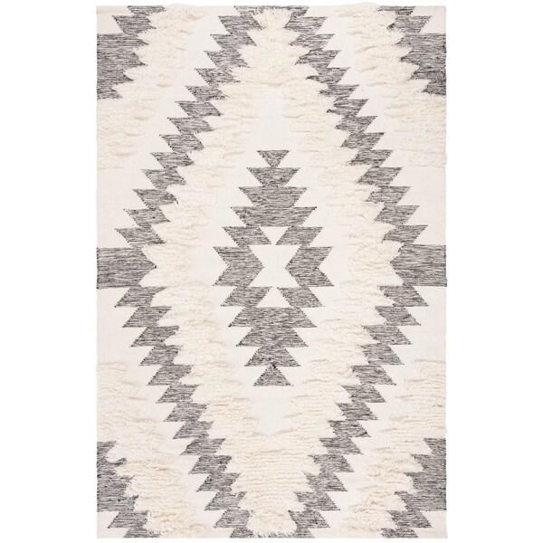 Safavieh Handmade Kenya Transitional Oriental Black / Ivory Wool Rug by Safavieh