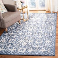 Safavieh Handmade Micro-Loop Transitional Geometric Blue / Ivory Wool Rug - 8' x 10'