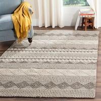Safavieh Handmade Natura Southwestern Geometric Grey / Ivory Wool Rug - 11' x 15'