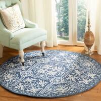 Safavieh Handmade Micro-Loop Transitional Geometric Blue / Ivory Wool Rug - 5' x 5' round