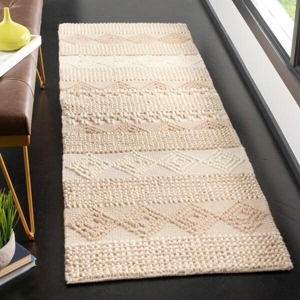 """Safavieh Handmade Natura Southwestern Geometric Beige / Ivory Wool Rug - 2'3"""" x 6' Runner"""