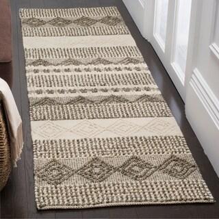 "Safavieh Handmade Natura Southwestern Geometric Grey / Ivory Wool Rug - 2'3"" x 10'"