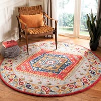 Safavieh Handmade Heritage Traditional Oriental Grey / Red Wool Rug - 6' x 6' Round