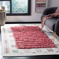 Safavieh Hand-Knotted Kenya Transitional Oriental Ivory / Pink Wool Rug - 6' x 9'