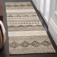 "Safavieh Handmade Natura Southwestern Geometric Grey / Ivory Wool Rug - 2'3"" x 14'"