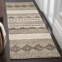 "Safavieh Handmade Natura Southwestern Geometric Grey / Ivory Wool Rug - 2'3"" x 16'"