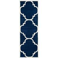 "Safavieh Handmade Chatham Contemporary Geometric Dark Blue / Ivory Wool Rug - 2'3"" x 5'"