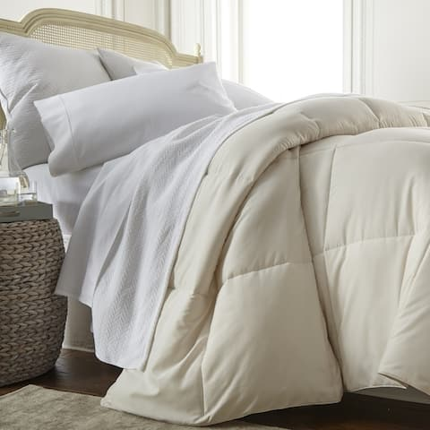 Becky Cameron Luxury All-Season Down Alternative Comforter