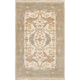 eCarpetGallery Hand-knotted Royal Ushak Cream Wool Rug - 4'0 x 6'2