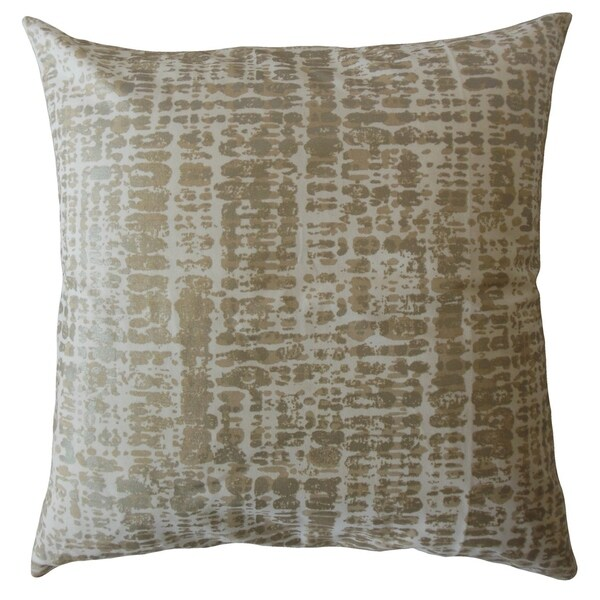 Quanda Graphic Throw Pillow Brown