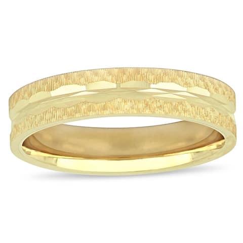 Miadora 10k Yellow Gold Men's Textured Wedding Band (5 mm)