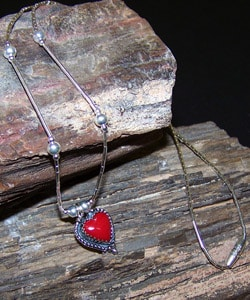 Handmade Coral Red Heart Necklace (India)