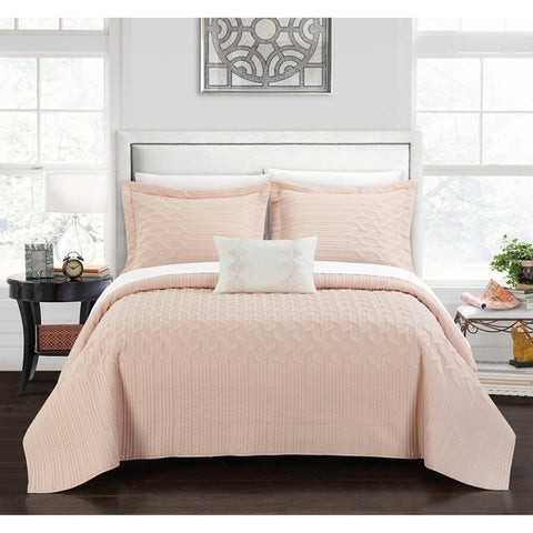 Chic Home Shala 8 Piece Interlaced Vine Pattern Bed in a Bag Quilt Cover Set