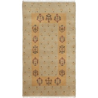 eCarpetGallery Hand-knotted Peshawar Ziegler Khaki Wool Rug - 2'6 x 4'0