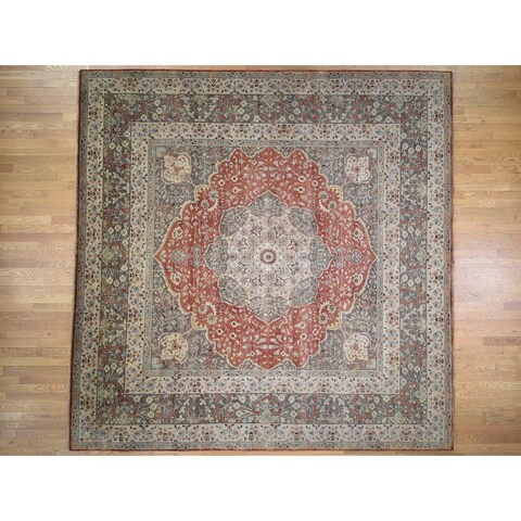 Hand Knotted Red Heriz with Wool Oriental Rug (12' x 12') - 12' x 12'