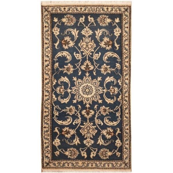 Handmade Nain Wool and Silk Rug (Iran) - 2'4 x 4'7