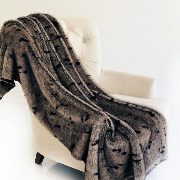Plutus Gunmetal Gray Tones Tissavel Faux Fur Luxury Blanket