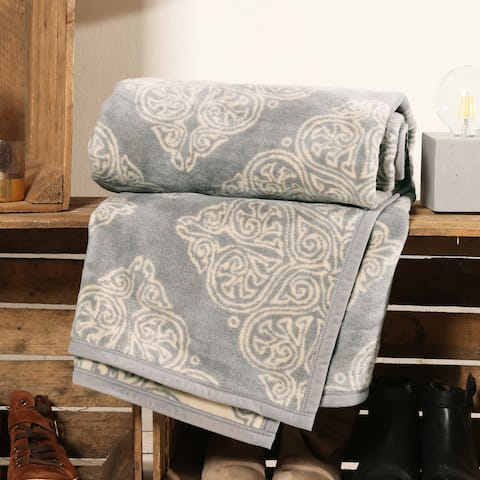 IBENA Trellis Lace Patterned Throw Vinica
