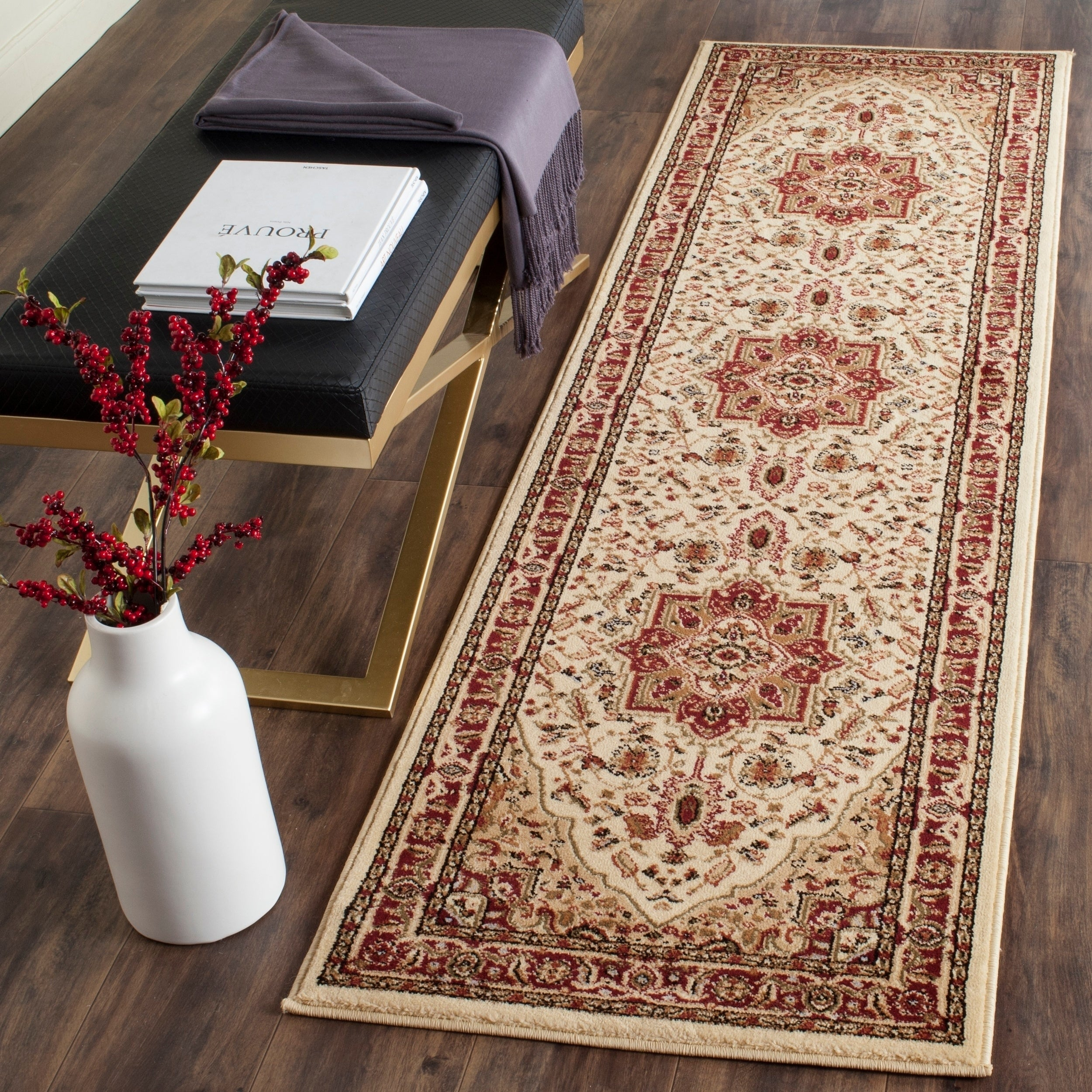 Safavieh Lyndhurst Traditional Oriental Ivory Red Runner