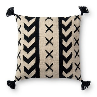 Indoor/ Outdoor Black/ Ivory Southwest 22-inch Pillow Cover with Tassles