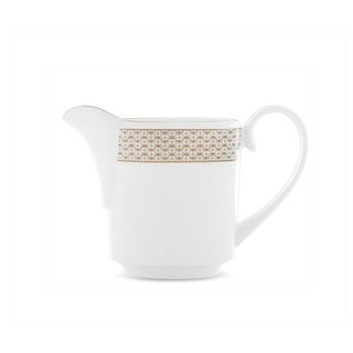 Lismore Diamond White Creamer