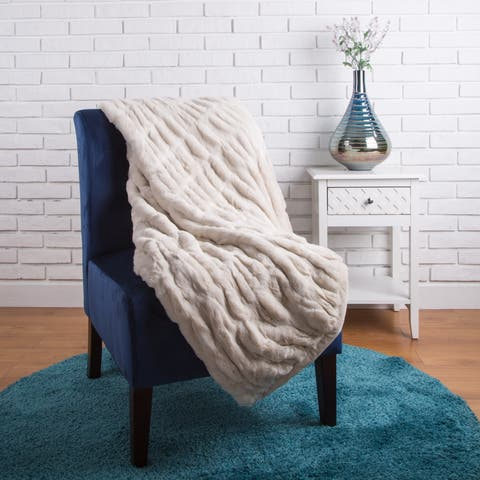 Glitzhome 50 x 60 Faux Fur Throw/Blanket