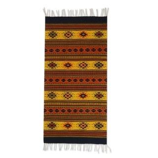 Handmade Zapotec Oaxaca Sun Wool Rug (2'6 x 5') (Mexican) - 2'6 x 5'