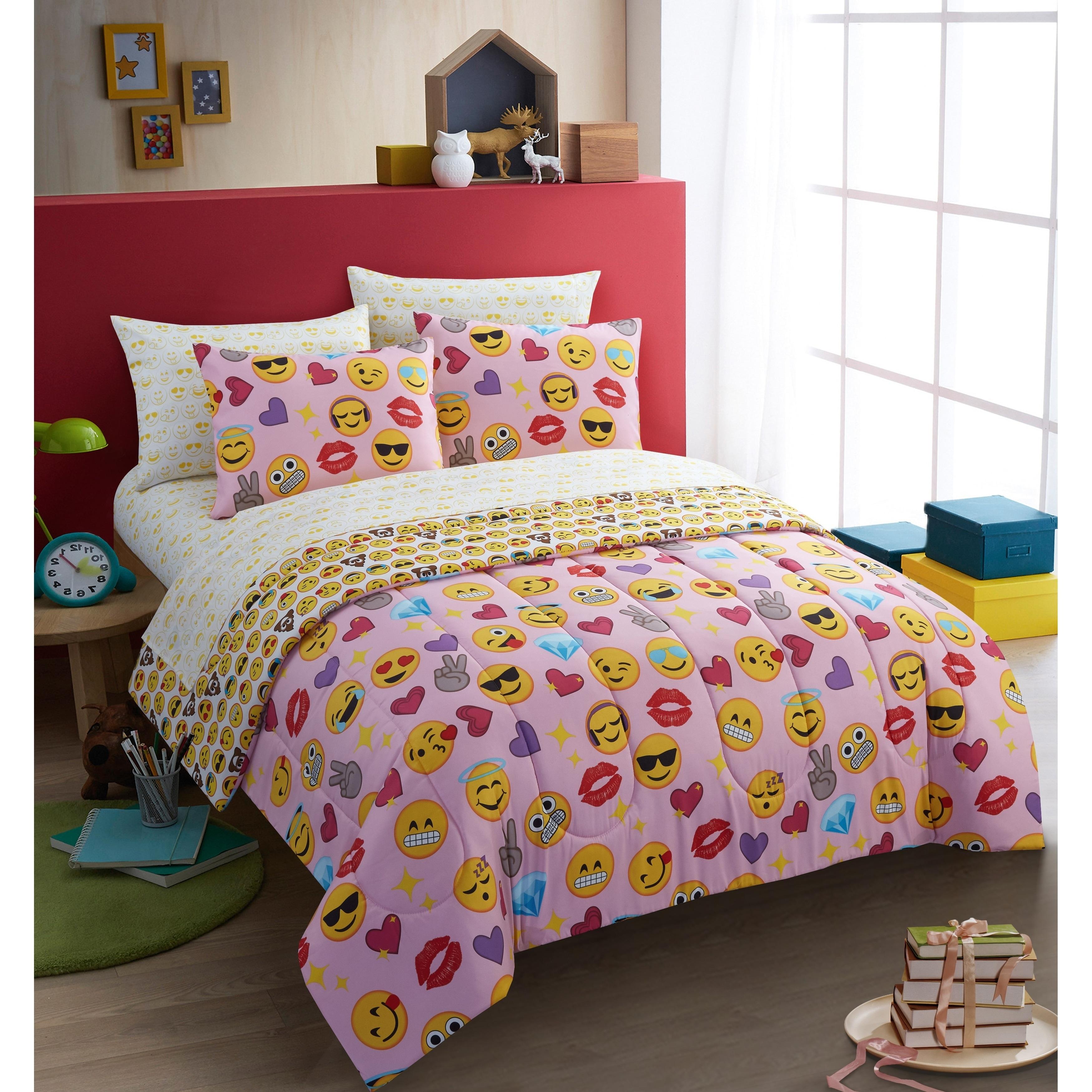 Twin XL Full Queen Bed Bag Emoji Faces Kiss Hearts Black 7pc Comforter Sheet Set
