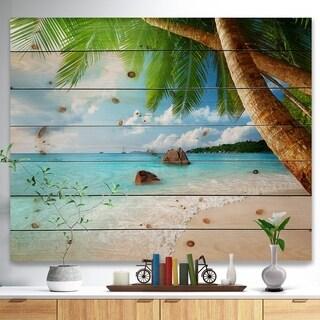 Designart 'Praslin Island Seychelles Beach' Seashore Photo Print on Natural Pine Wood - Green