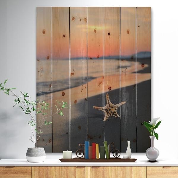 Designart 'Summer Beach with Starfish' Beach and Shore Print on Natural Pine Wood - Blue