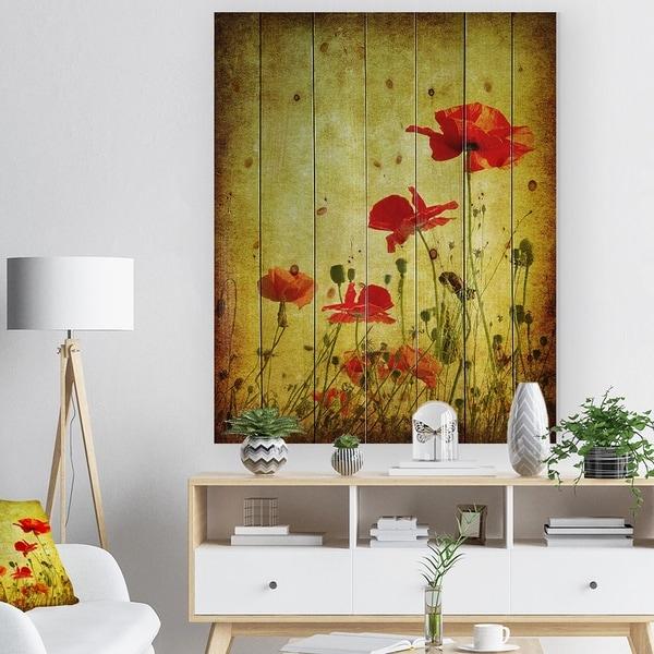 Designart 'Poppy Flowers on Grunge Background' Floral Print on Natural Pine Wood - Gold
