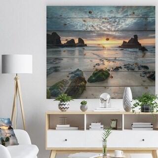 Designart 'Beautiful Porthcothan Bay' Seashore Print on Natural Pine Wood - Blue