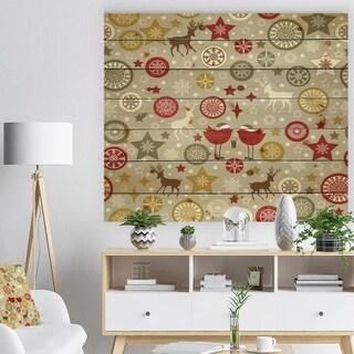 Designart 'Snow flake Christmas star pattern' Print on Natural Pine Wood - Green
