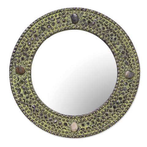 Handmade Green Antique Magnificence Aluminum Mirror (india)