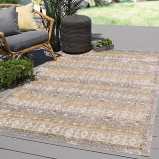 """Porch & Den Glenwild Grey/ Yellow Trellis Indoor/ Outdoor Area Rug - 5' x 7'6"""""""