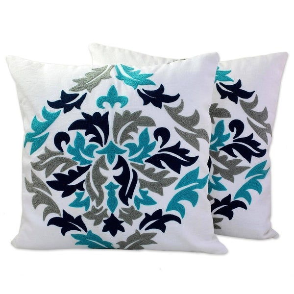 Handmade Fresh Leaves Cotton / Acrylic Thread Cushion Cover Pair (India)