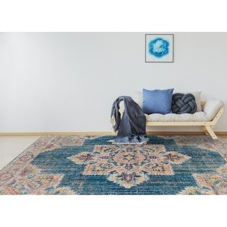 "Ethereal Vintage Teal/ Pink Accent Rug - 2'2"" x 3'"